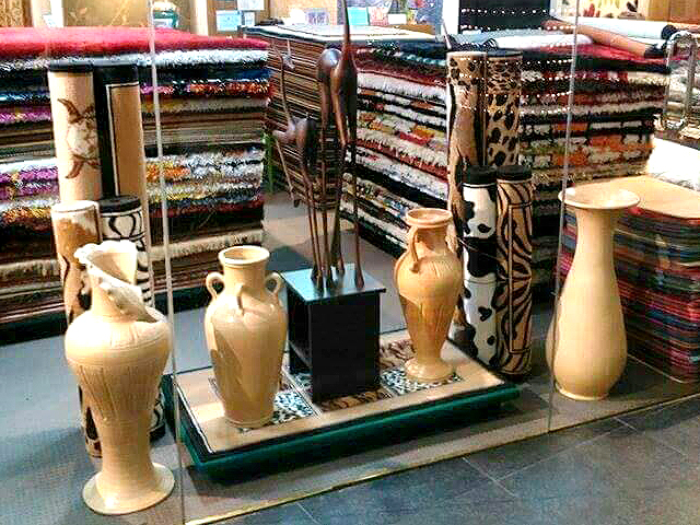 wood-interior-decors-and-vases2
